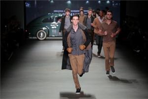 Amsterdam Fashion Week: Mannemode Ontwerper Sjaak Hullekes